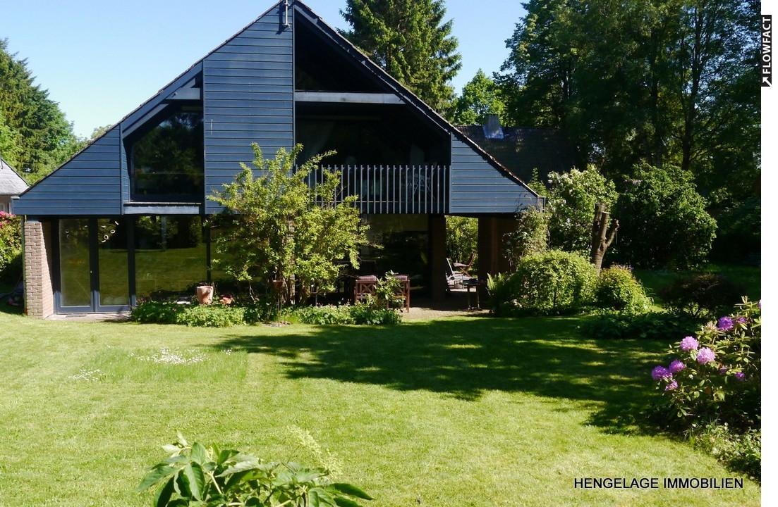 Großzügiges Architektenhaus auf sonnigem Grundstück  in unmittelbarer Seenähe